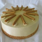 SIZE 30 CM VANILLA CARAMEL Vanilla sponge with caramel and cream filling and caramel butter icing.